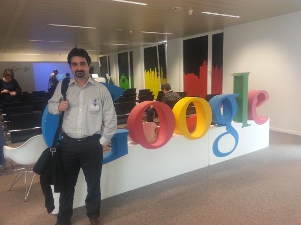 Urko Fernandez, director de proyectos de PantallasAmigas, durante su participación en la cumbre de Google
