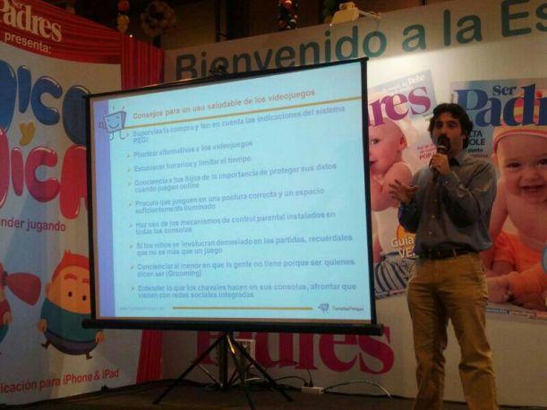 Urko Fernández expone las oportunidades y retos de los videojuegos en la Escuela de Padres de la Feria Dabadum